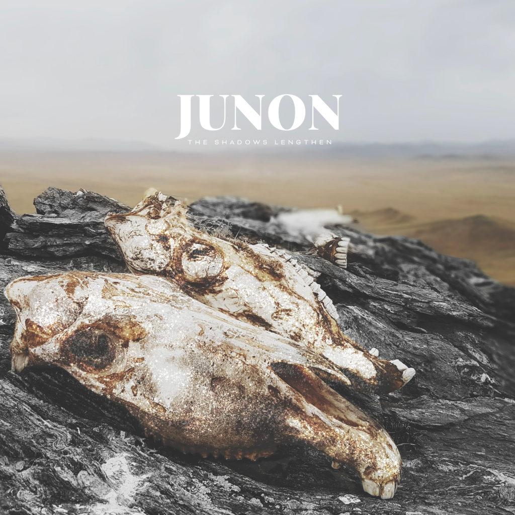 Couverture de l'EP The Shadows Lengthen de Junon